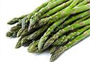 Снизить уровень токсинов в печени поможет употребление в пищу листьев спаржи